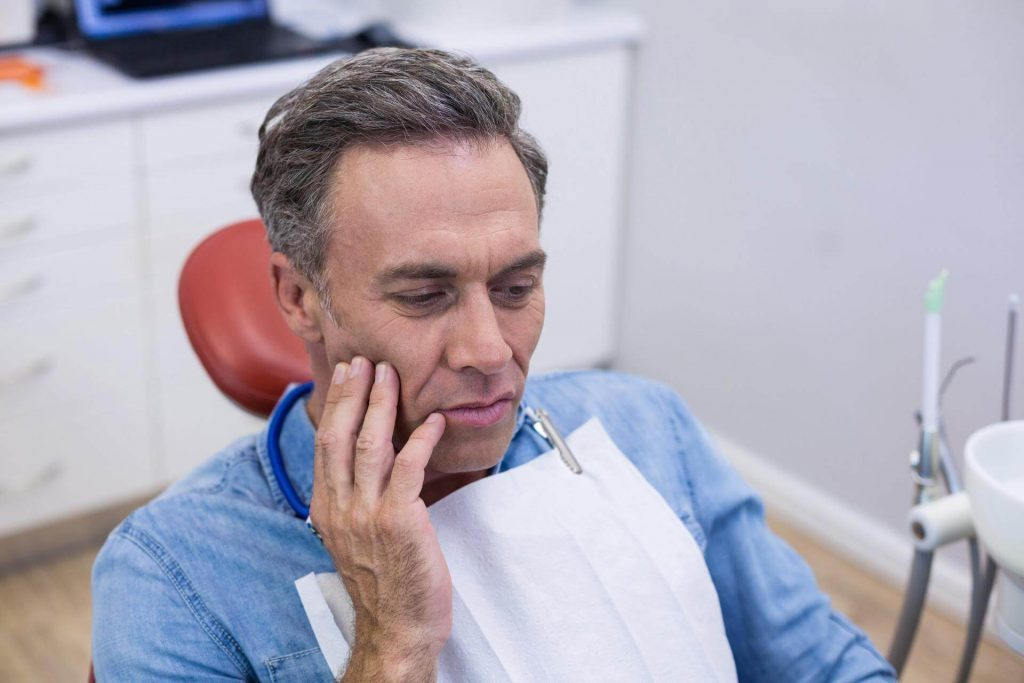 Оток при зъбобол - причинители и как да спадне отока при зъбобол