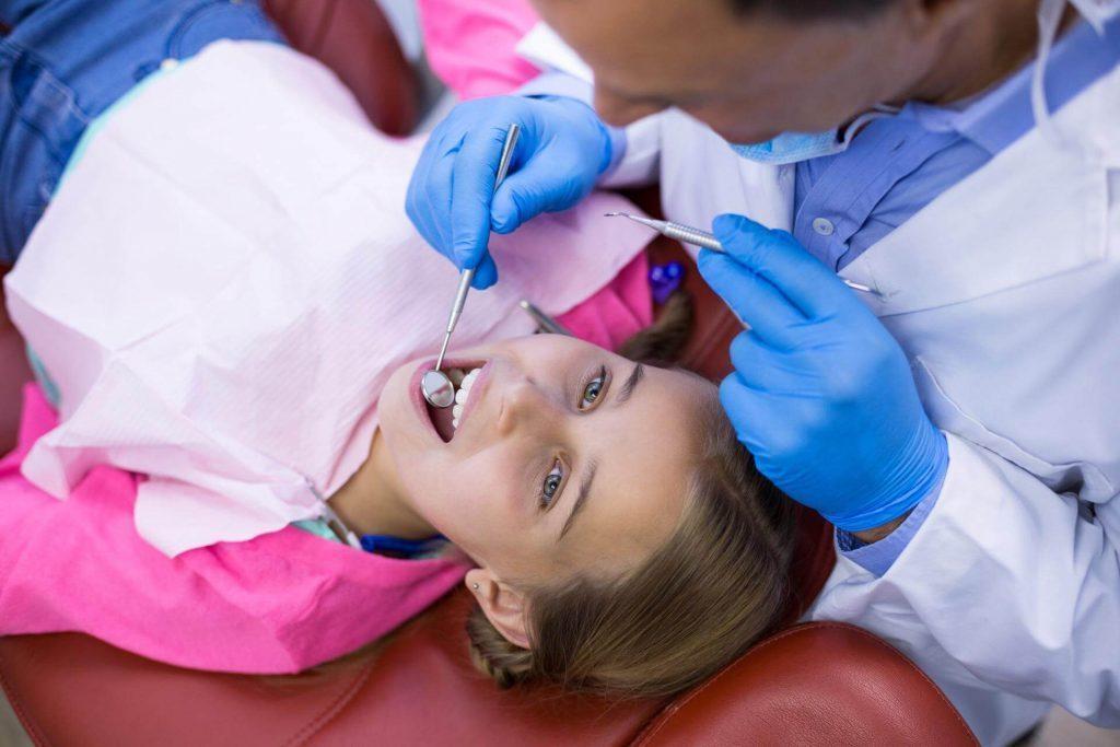 Детски зъболекар - преглед за зъбобол - Медика 3 Дент
